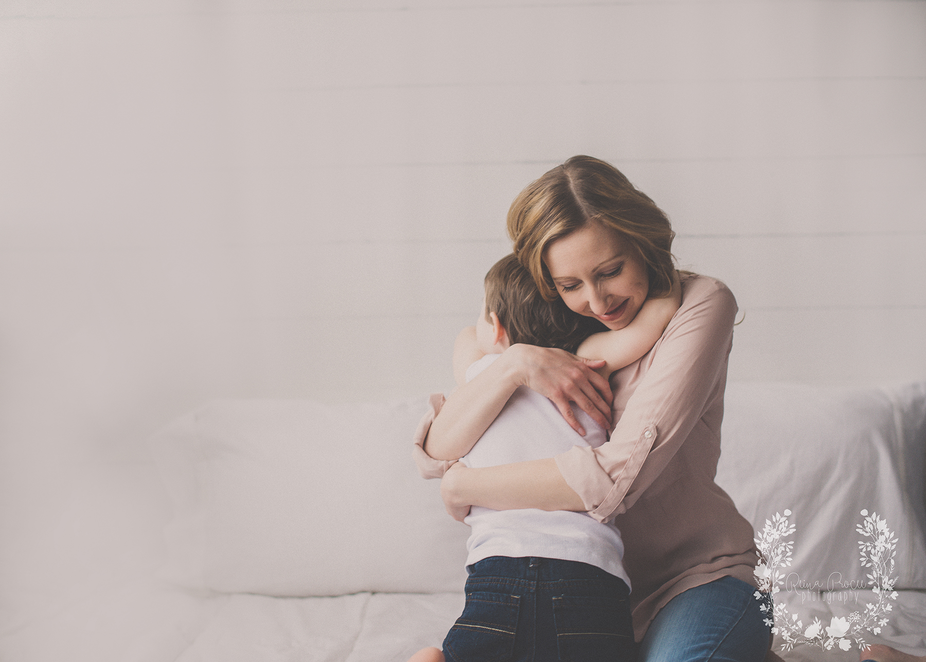 mother-child-love-family-portraits-montreal-photographer01.png