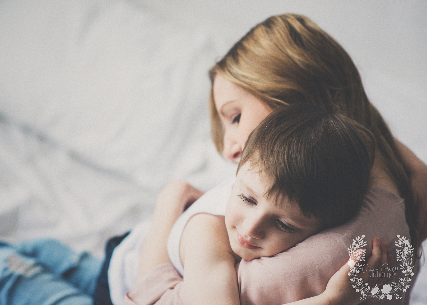 mother-child-love-family-portraits-montreal-photographer06.png