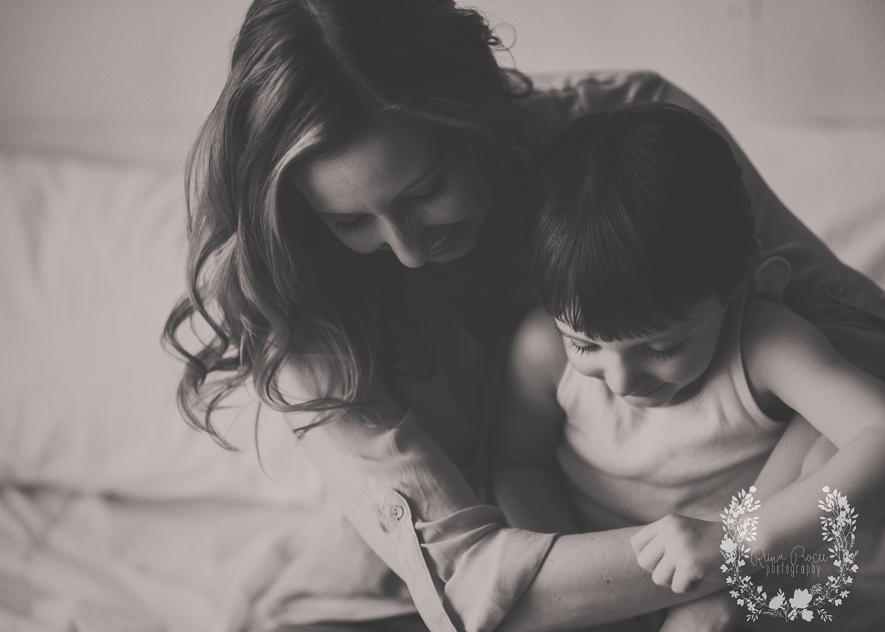 mother-child-love-family-portraits-montreal-photographer07.png