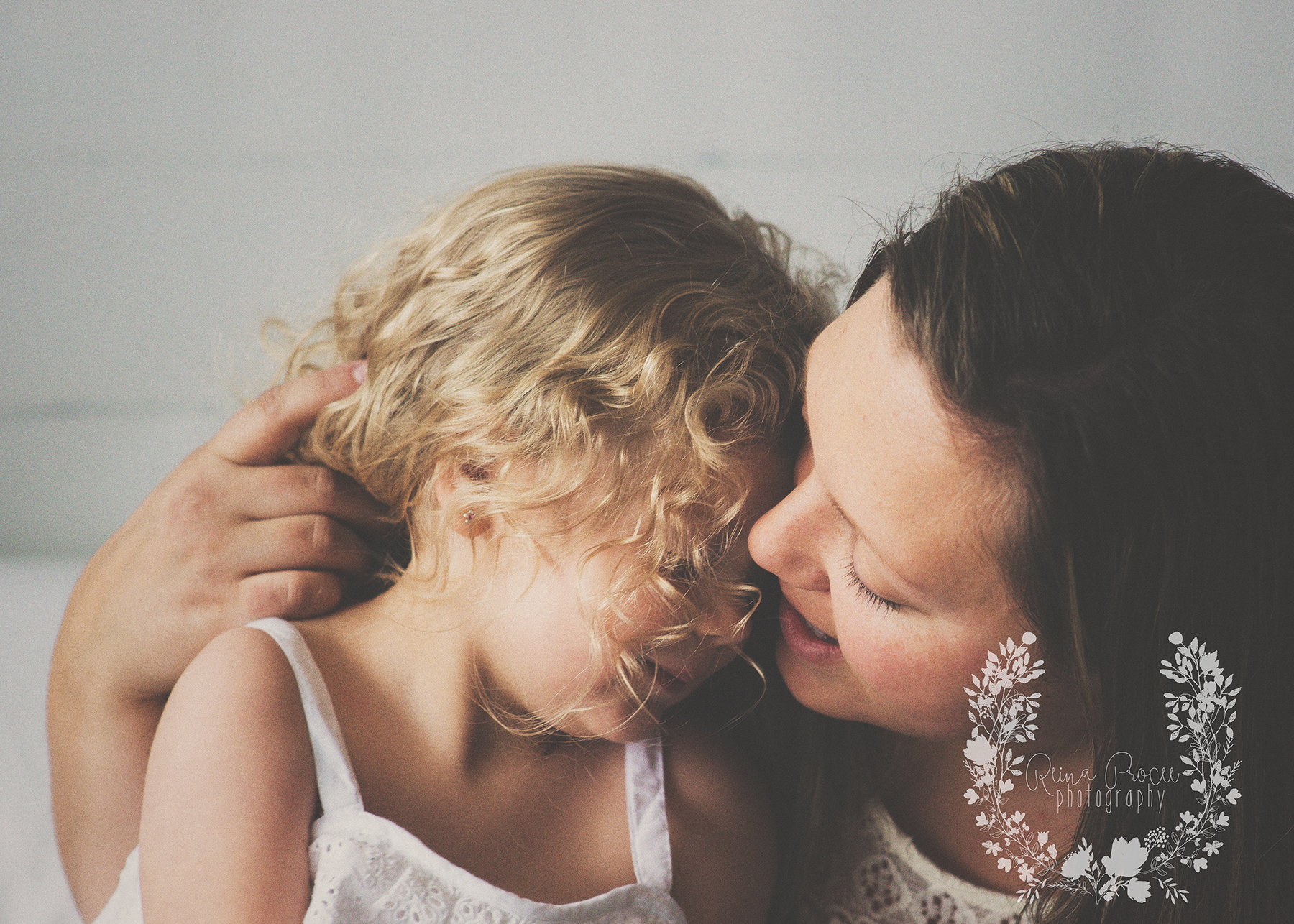 mother-child-love-family-portraits-montreal-photographer11.png