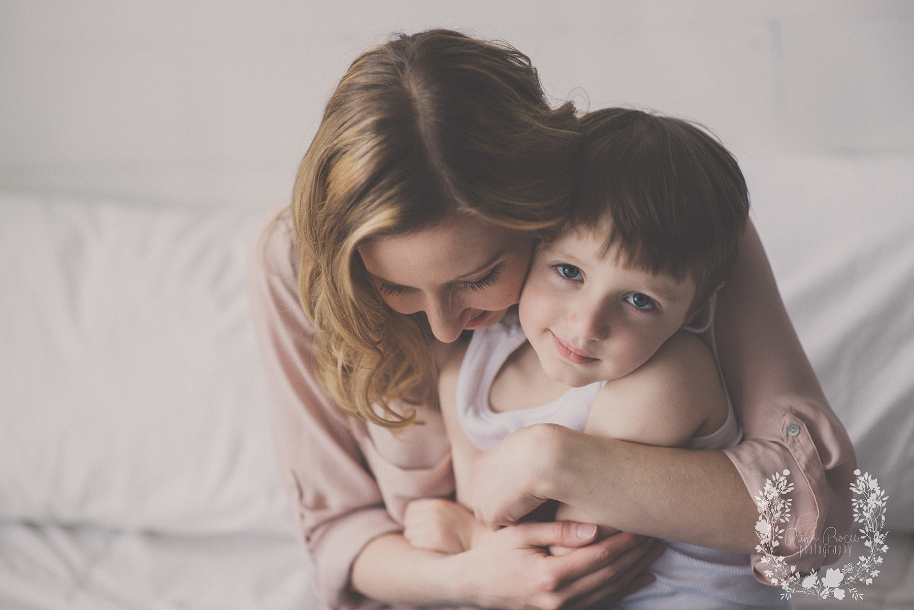 mother-child-love-family-portraits-montreal-photographer28.png