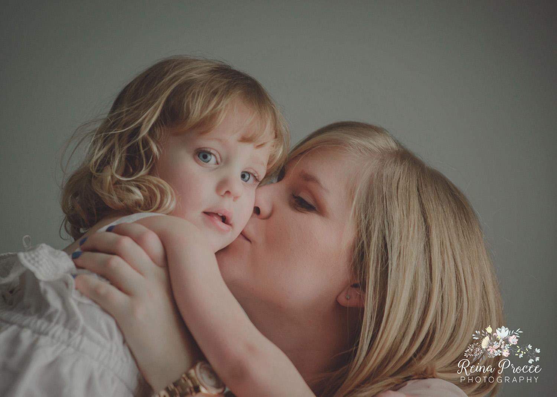 010-mama-love-photographer-montreal-family-best-photos-portraits.jpg