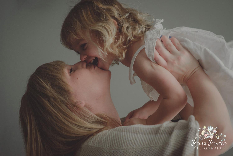 016-mama-love-photographer-montreal-family-best-photos-portraits.jpg