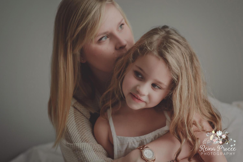 022-mama-love-photographer-montreal-family-best-photos-portraits.jpg