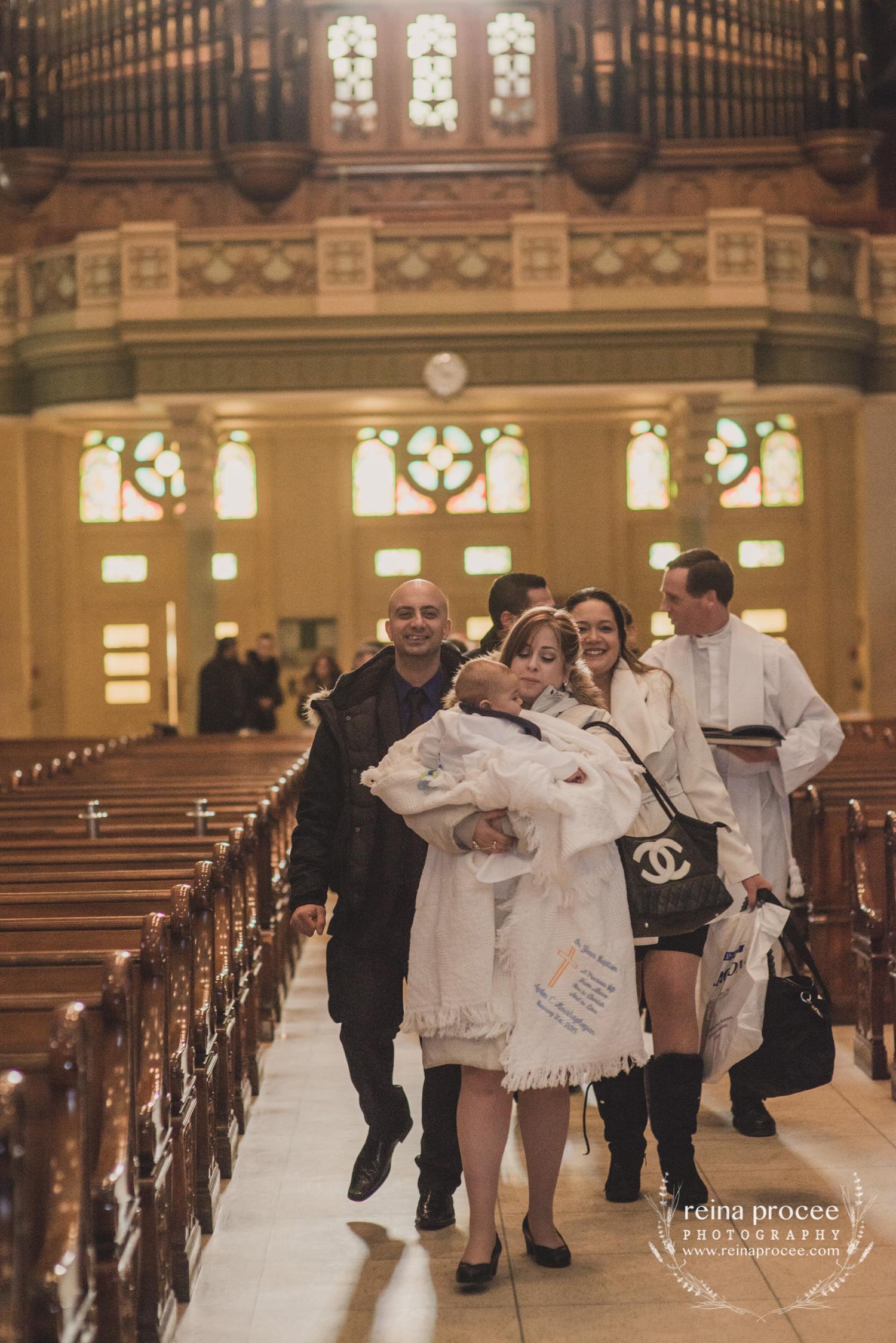 027-baptism-photographer-montreal-family-best-photos-portraits.jpg