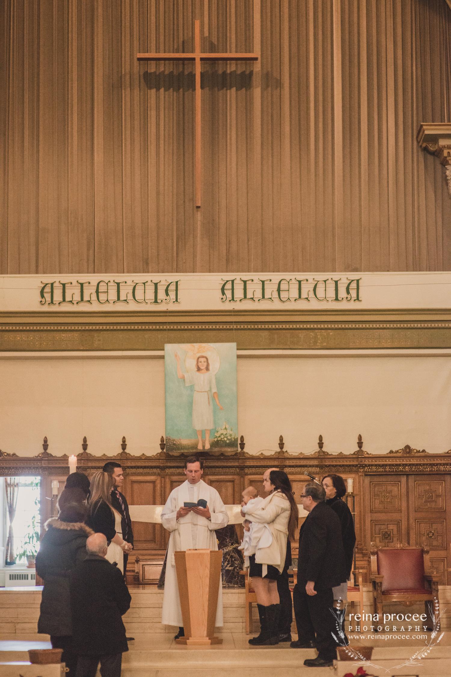 037-baptism-photographer-montreal-family-best-photos-portraits.jpg