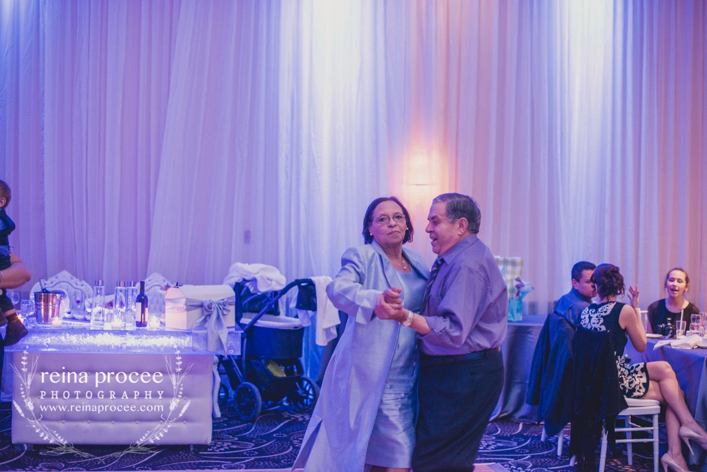 065-baptism-photographer-montreal-family-best-photos-portraits.jpg