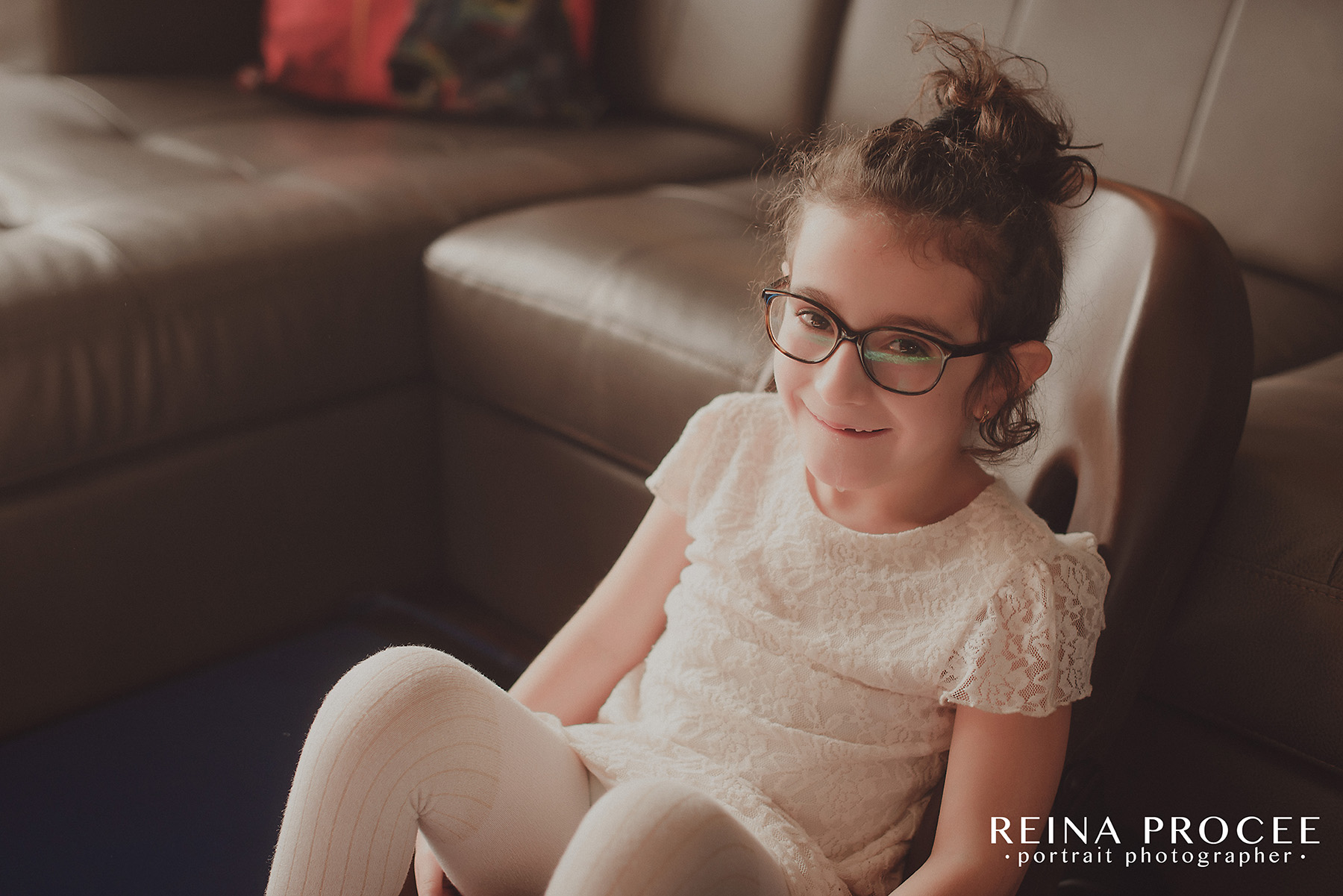 montreal-lifestyle-family-photos-beautiful-girl-git1-14.png