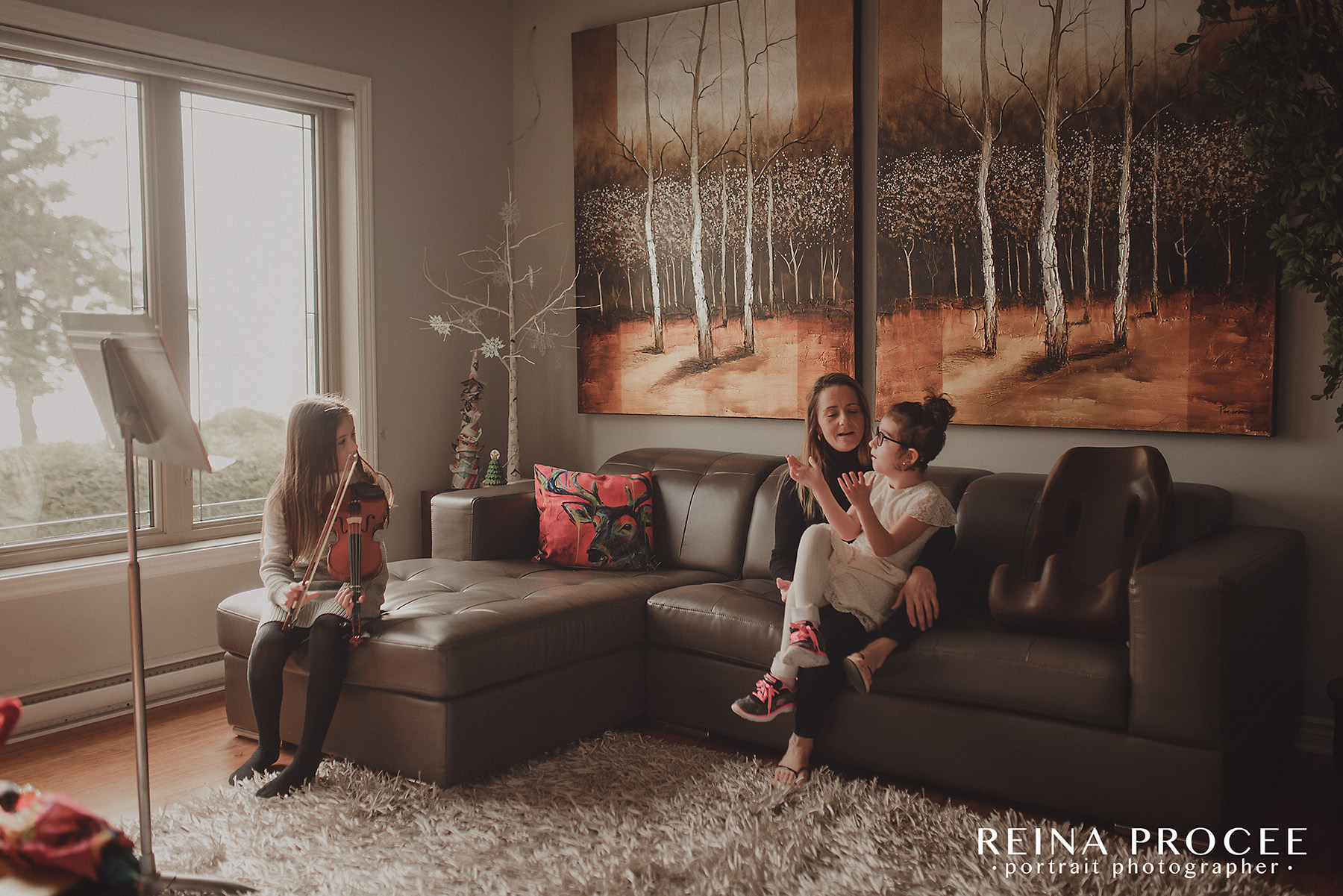 montreal-lifestyle-family-photos-beautiful-girl-git1-19.png