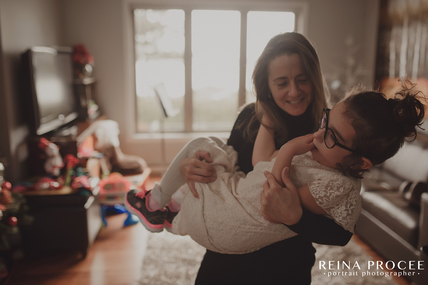 montreal-lifestyle-family-photos-beautiful-girl-git1-20.png