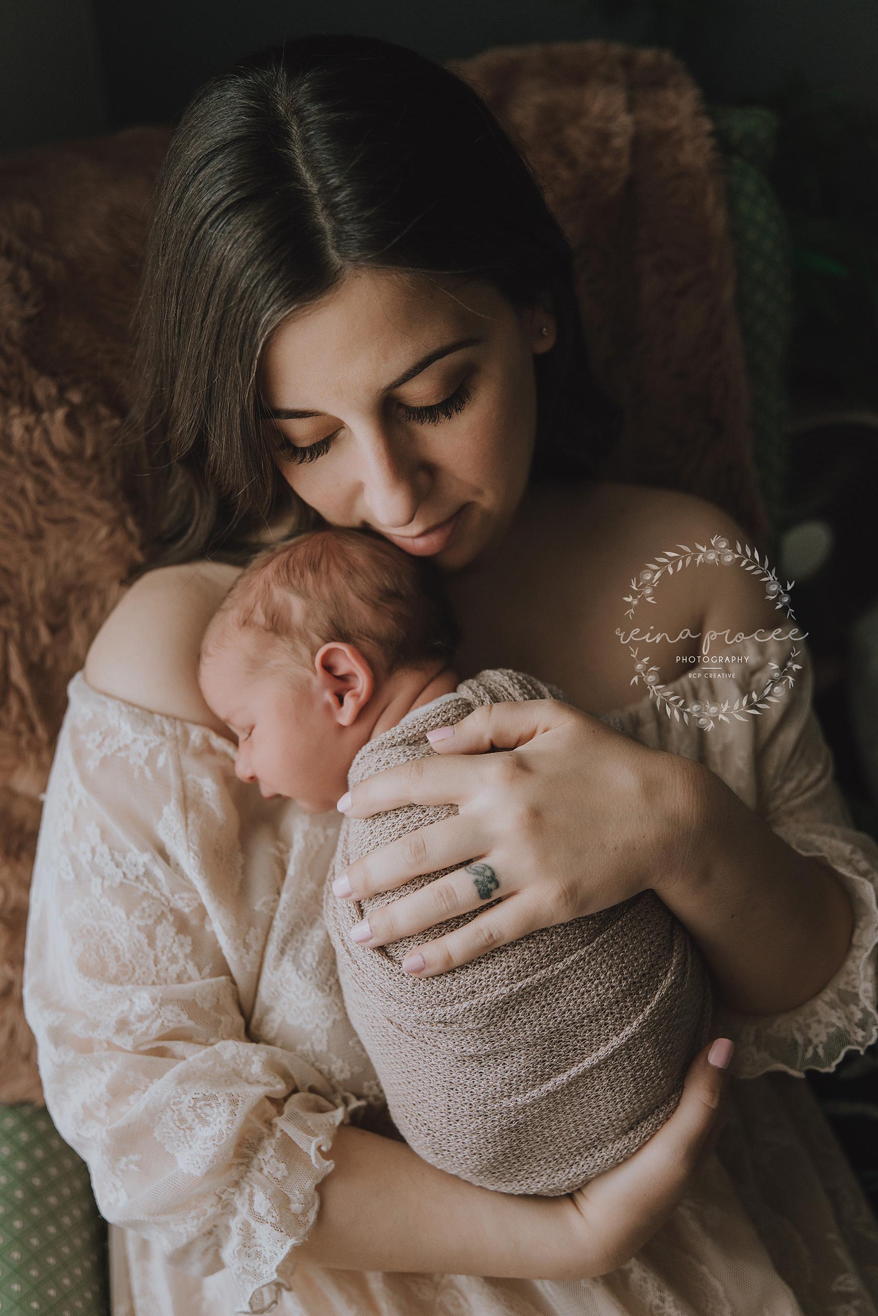 Newborn-Photo-Session-Montreal-12.jpg