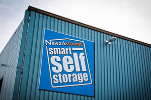 Newark storage employee assisting with self storage in Nottingham