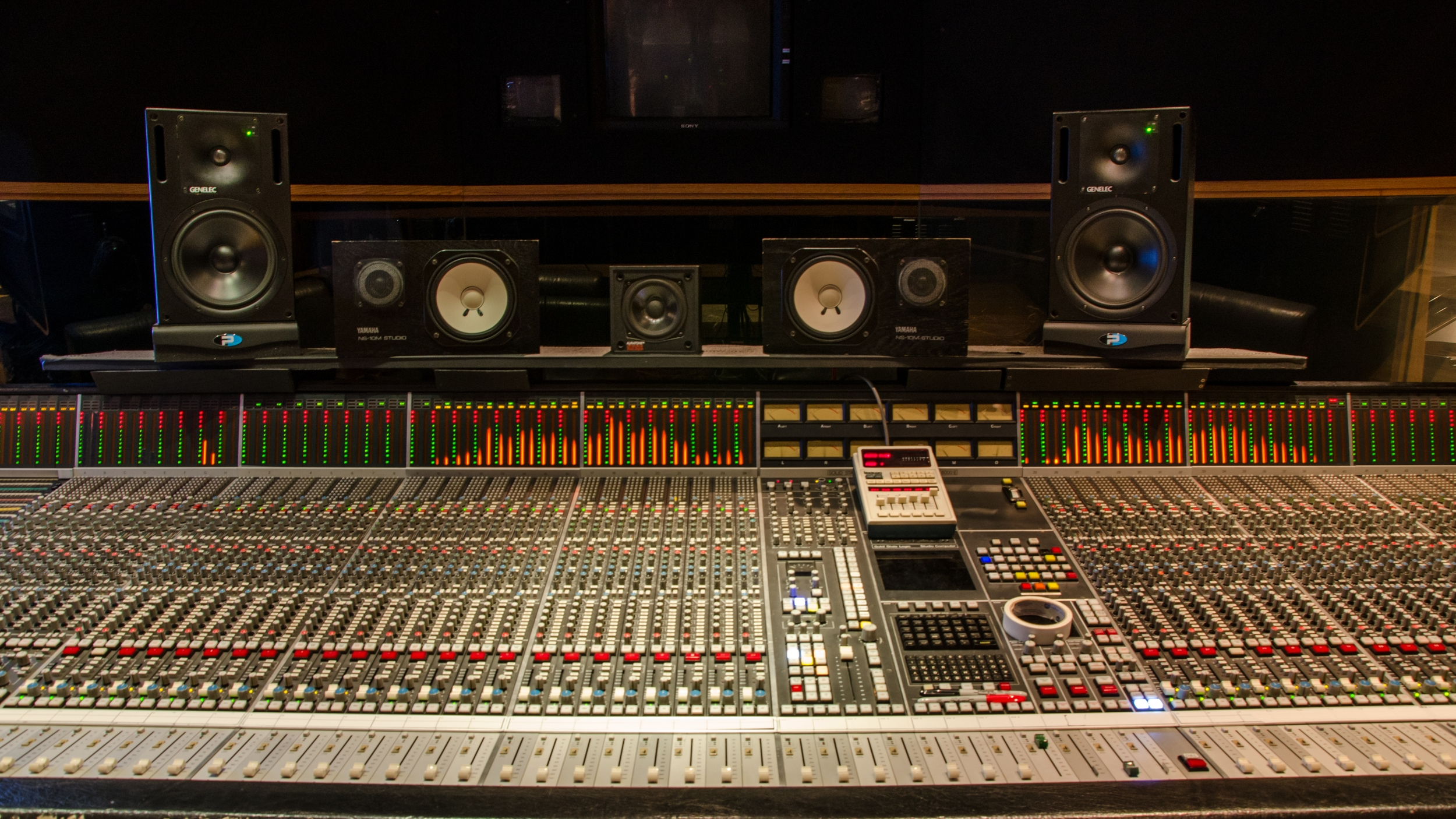 Mixing / Mastering - Spots, films, shorts, multimedia, all genres of music - we mix it all! Our experienced staff has access to the best in modern and vintage equipment in accurate rooms to ensure that your project sounds its best.