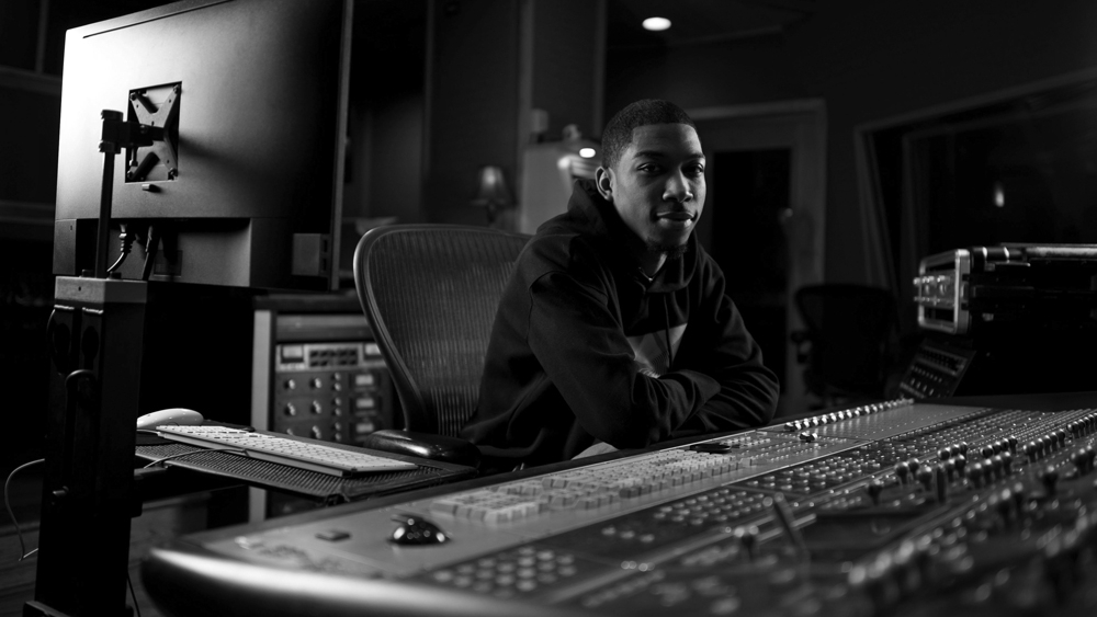 Dexter Coleman - Dexter is a southside Chicago native, who grew up listening to a different genres ranging from Soul/Funk, Jazz, Gospel, and HipHop/RnB. While starting out as a music producer, he also is both a Recording and Mixing Engineer.