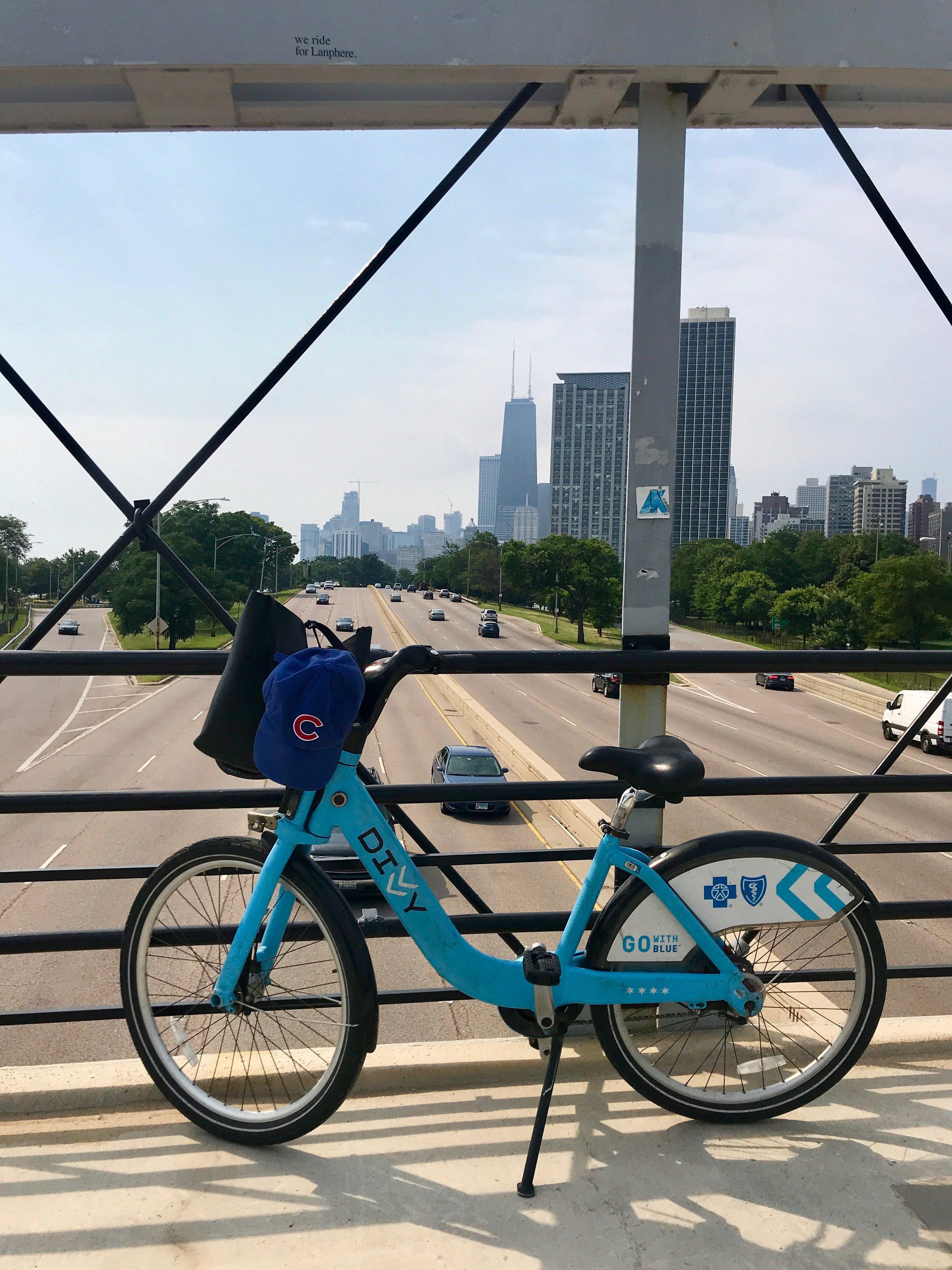 CHICAGO BIKING TRAIL