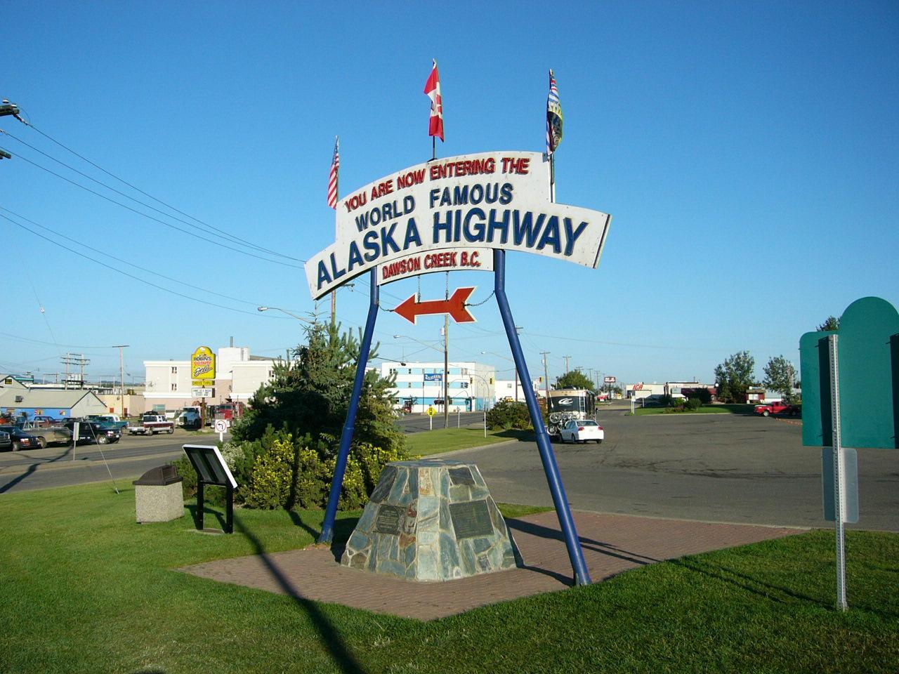 Alaska_Highway_Start.jpg