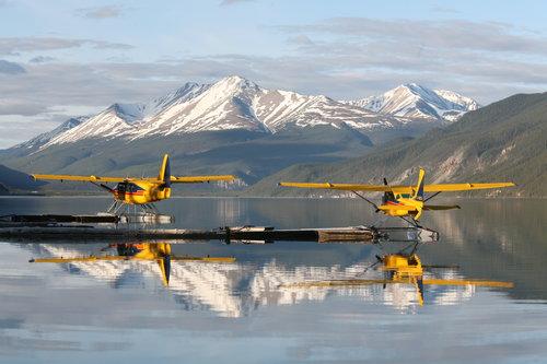 float_plane_muncho_lake.jpg