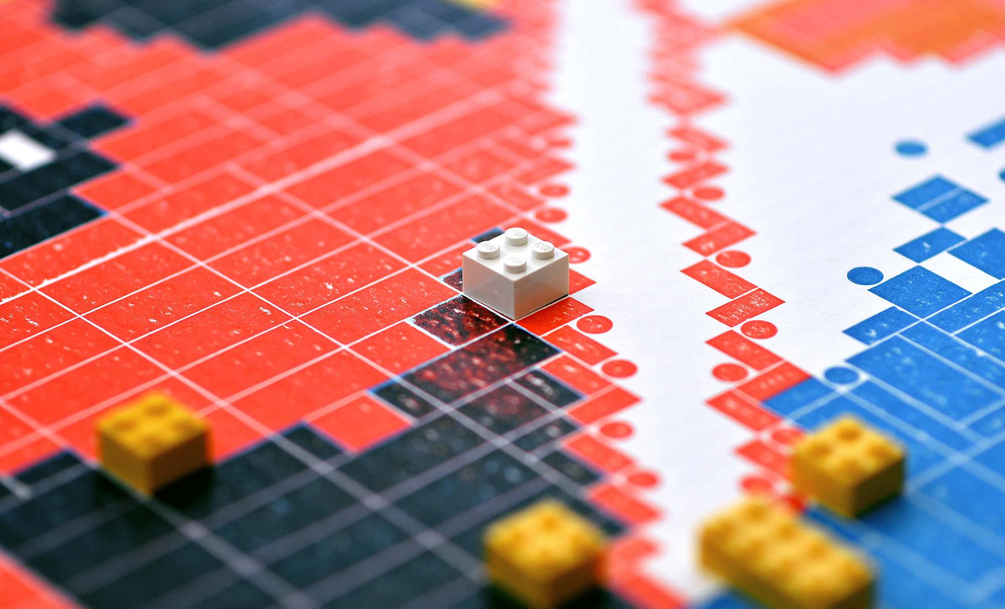 LEGOPRESS_CLOSEUP_02_2000_c.jpg