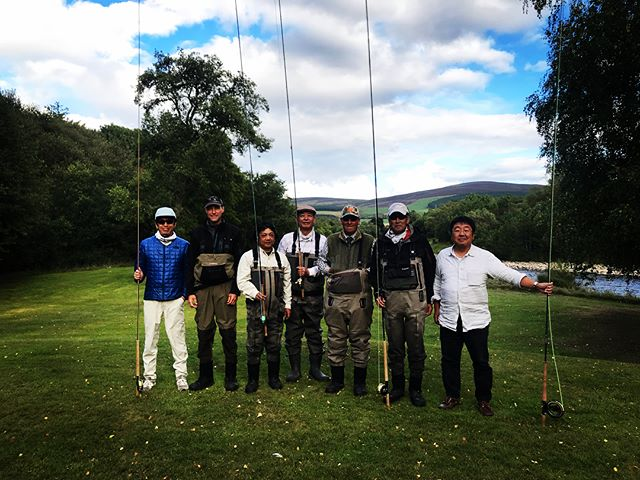An absolute pleasure looking after Shimoyama & friends from Japan. Never seen the Tweed and Spey so low but they still managed to catch salmon and sea trout. Top effort from seriously good fishermen #speyside #tweedside #flyfishing #seatrout #salmonfishing #whiskytasting #goodtimes #greysfishing