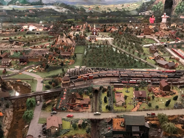 An overview of just part of Roadside America!