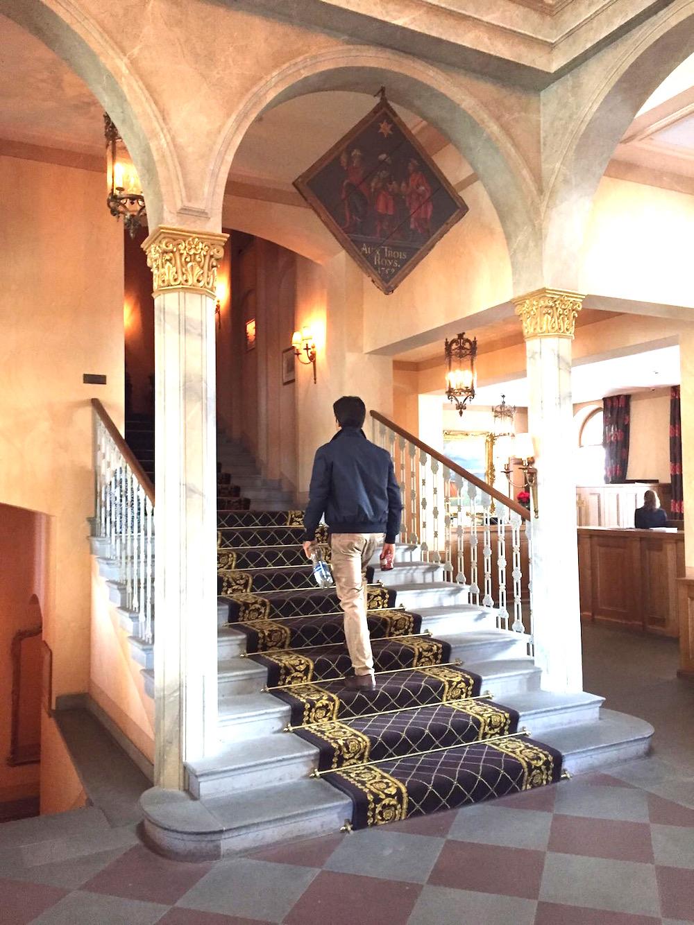les troi rois stairs.jpg