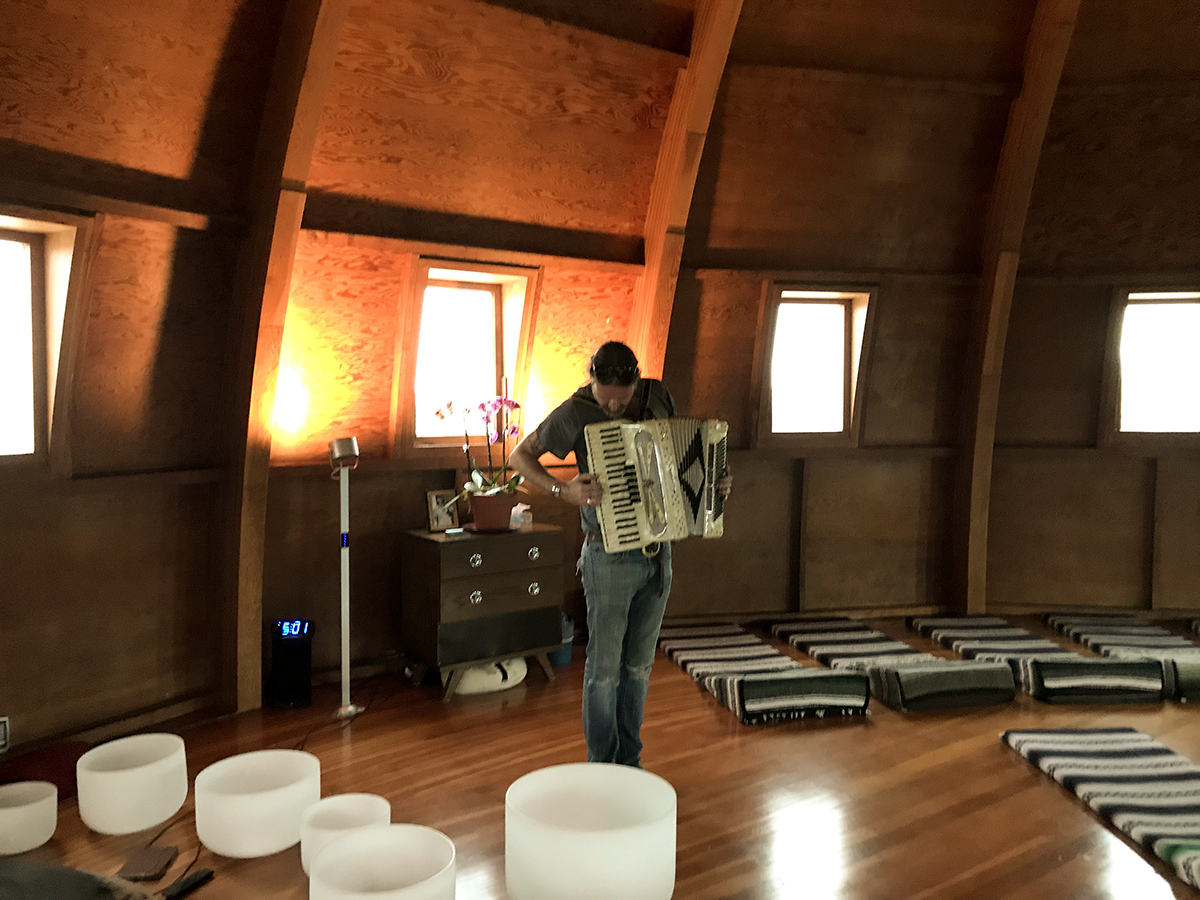 Aaron rehearsing for his performance at the Integratron for the Joshua Treenial