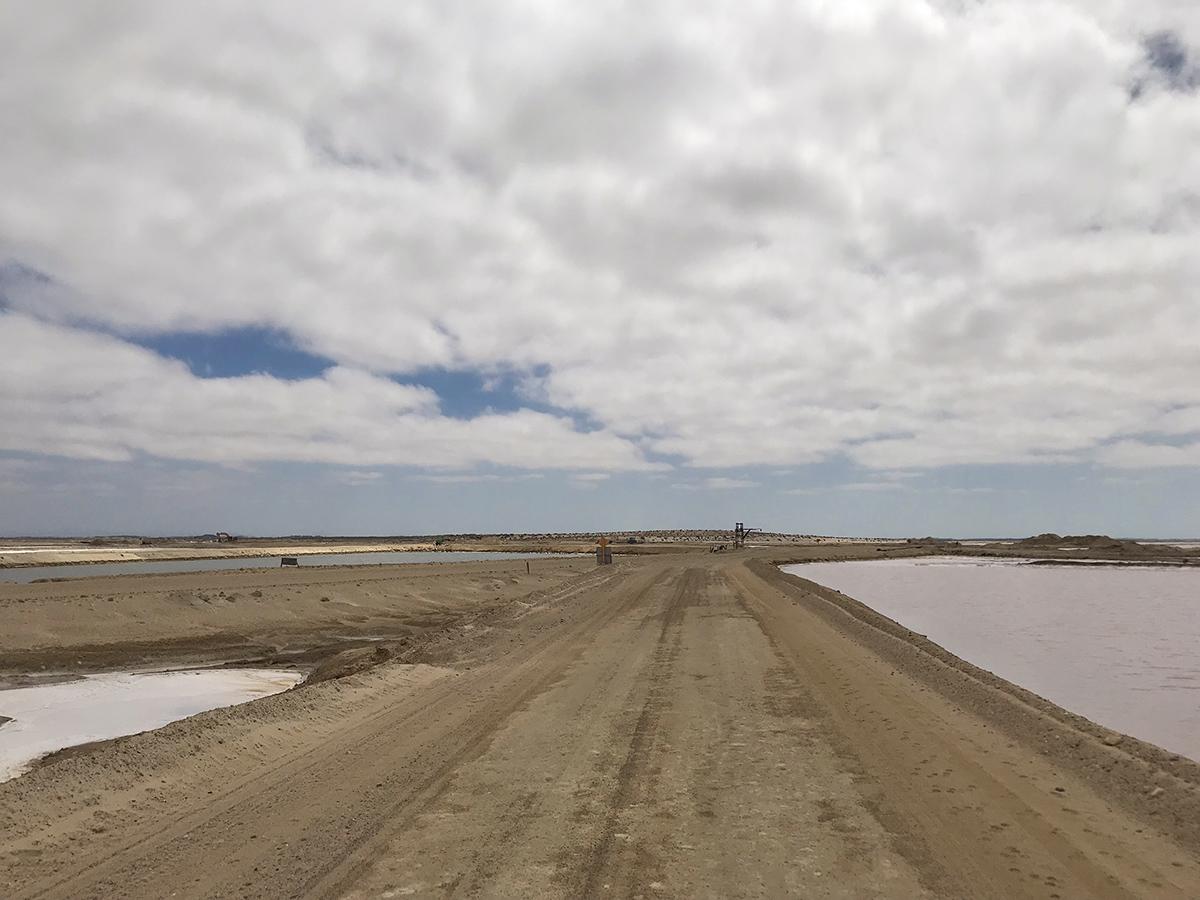 Salt mine roads to the Laguna.