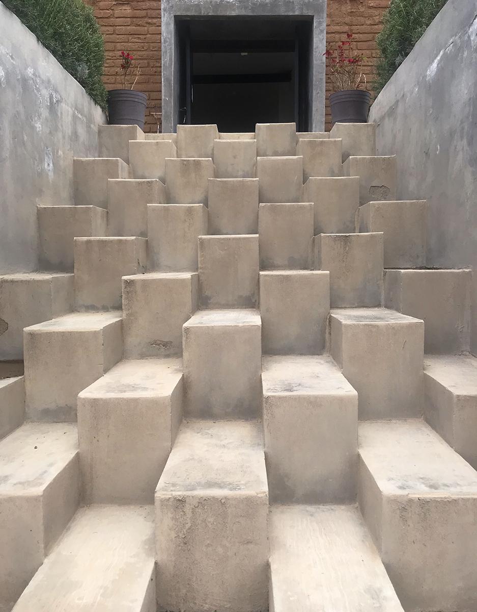 GV T front steps websize.jpg