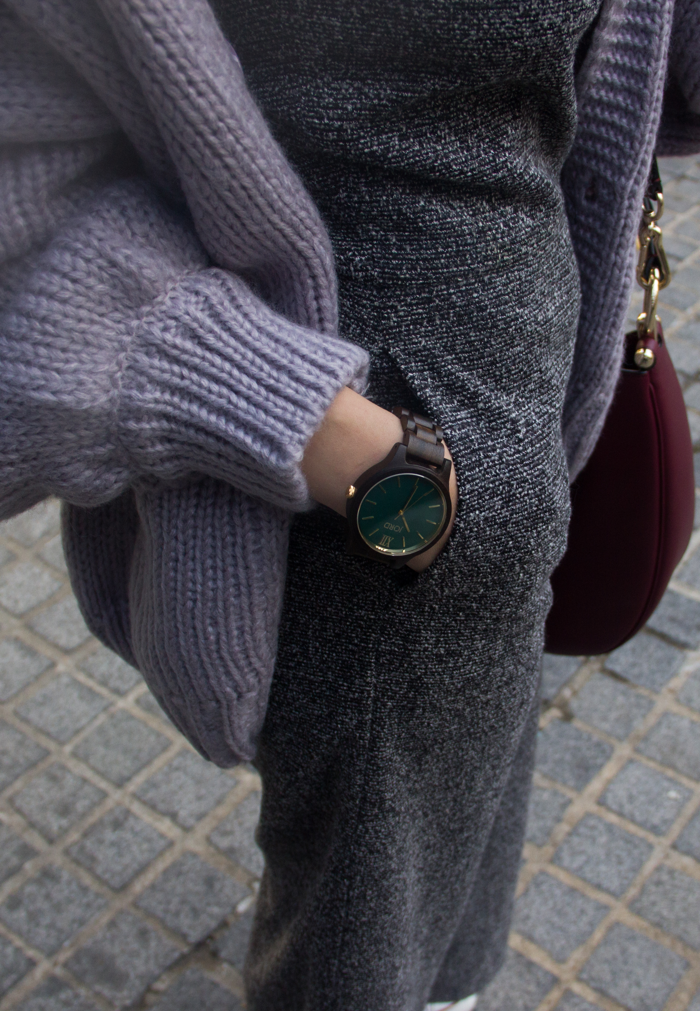 Love this watch? You can possibly win one just like it and everyone instantly gets a $25 e-code when you enter my  giveaway for JORD Wood Watches !