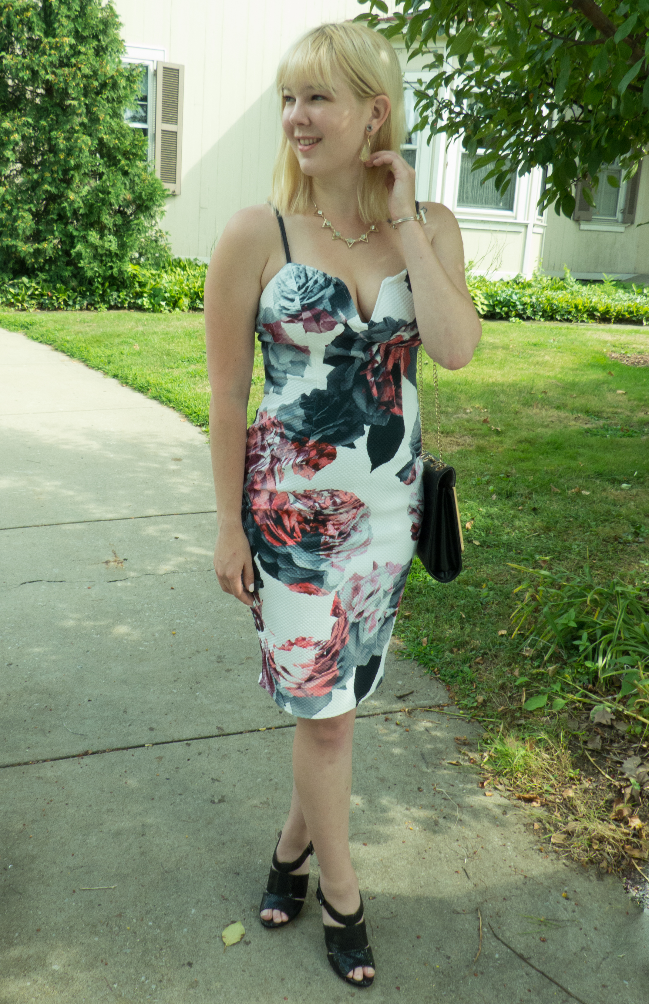 Love this dress? See some other ways I styled it  here !