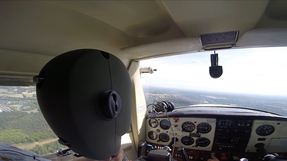 Recording (hand-held) a Cessna in-flight