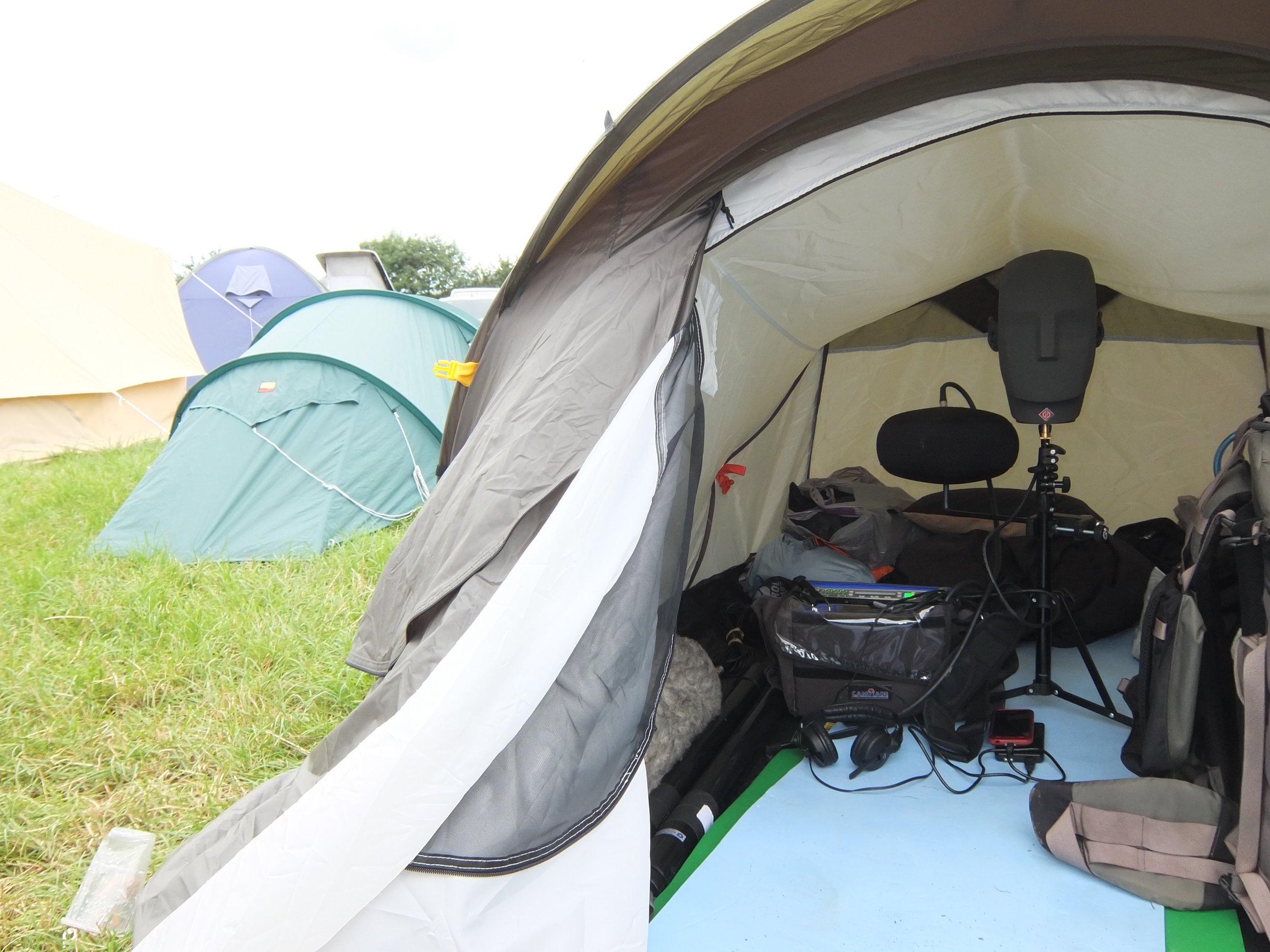 Recording tent interior atmos