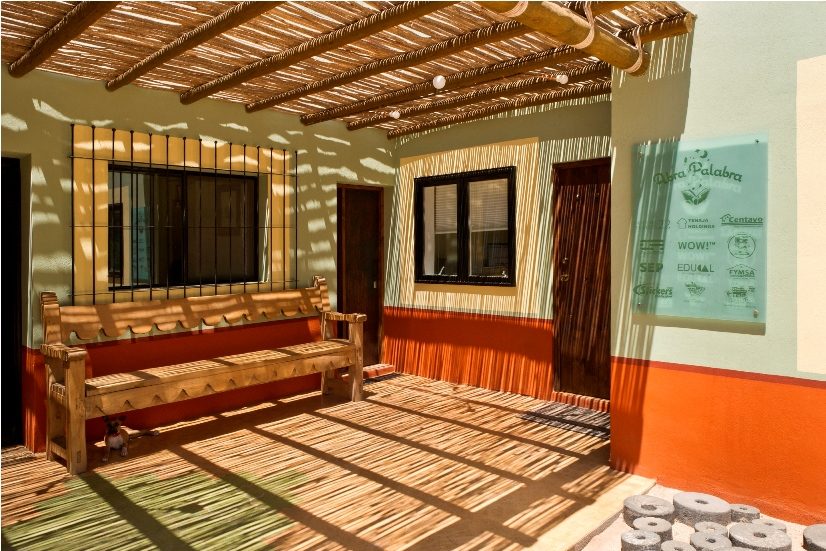 office-space-patio-bench-mexican-design-la-paz-baja-sur.jpg