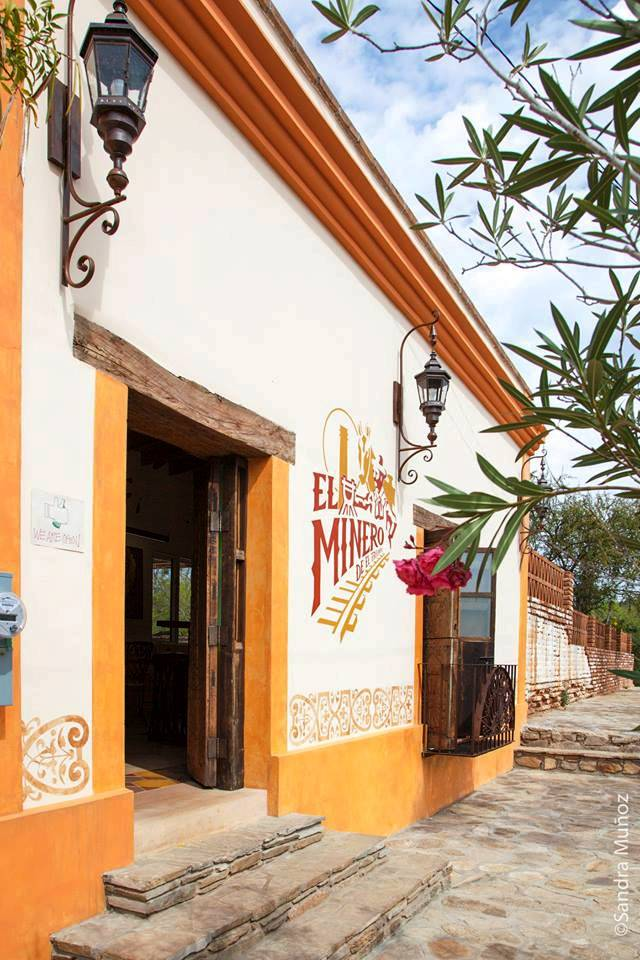 restaurant-bar-el-minero-historic-building-el-triunfo.jpg