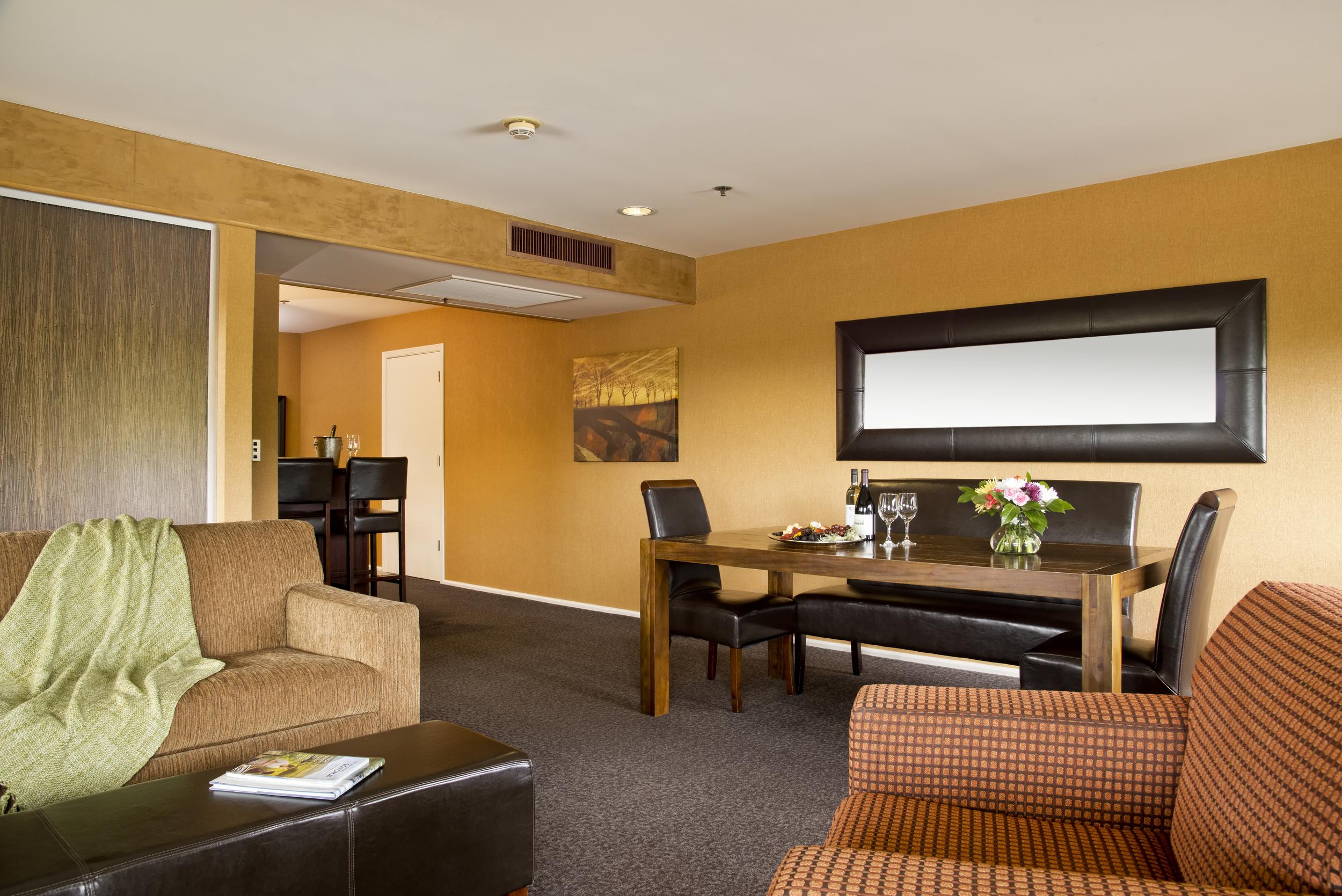 138-Suite Living Rm.jpg