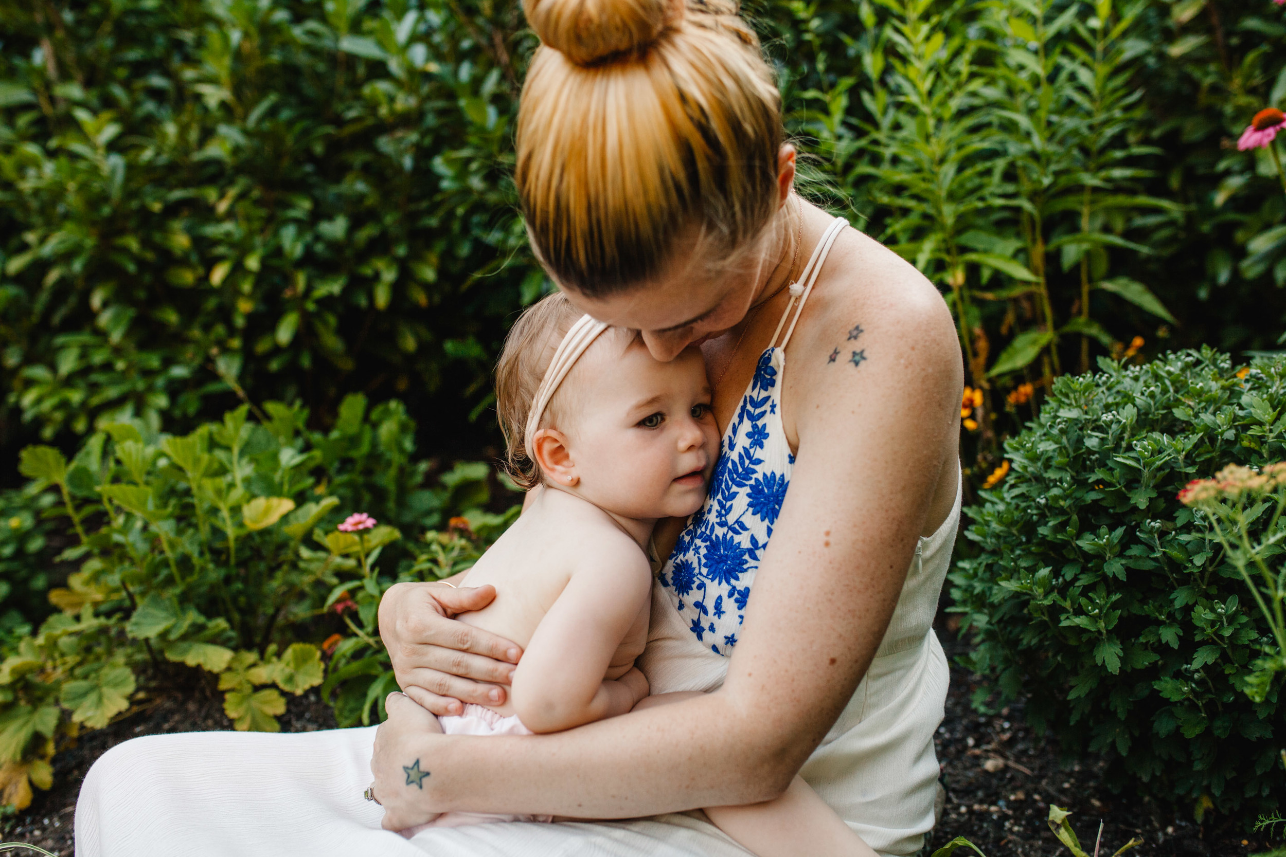 long island family photographer | breastfeeding photo session