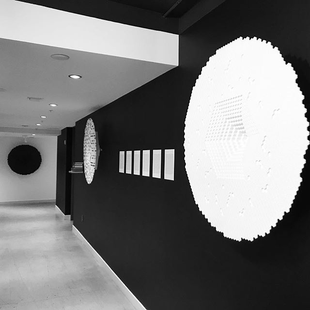 Black and white view of the #UniverseofBabel White is the empty canvas Black is the ink on the paper (our attempt at knowledge) #art #artmiami #blackandwhite #jorgeluisborges #baselweek @aloftmiamibrickell