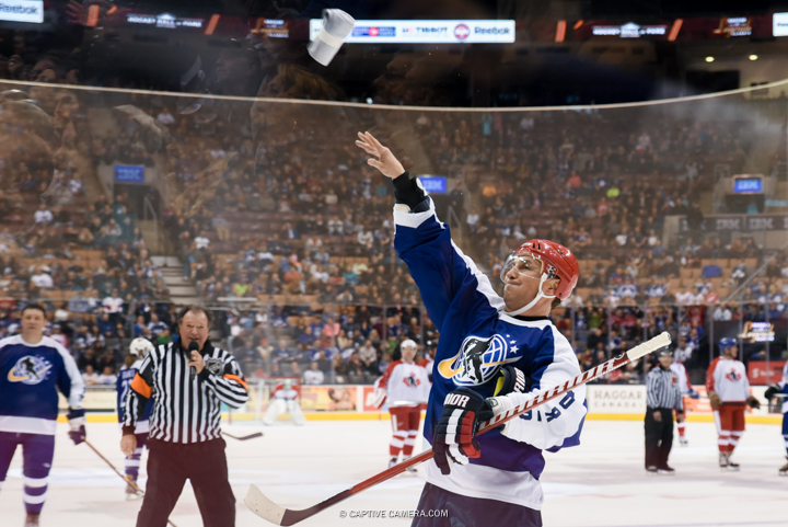 Nov. 8, 2015 (Toronto, ON) - Sergei Federov of Team Bure throws tshirts to the fans during the Haggar Hockey Hall of Fame Legends Classic at Air Canada Centre.