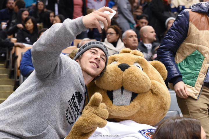 Nov. 8, 2015 (Toronto, ON) - Fans with Hockey Hall of Fame mascot Slapshot during the Haggar Hockey Hall of Fame Legends Classic at Air Canada Centre.
