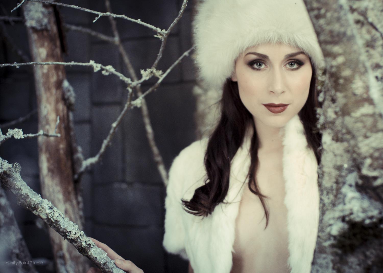 Floofie in white fur