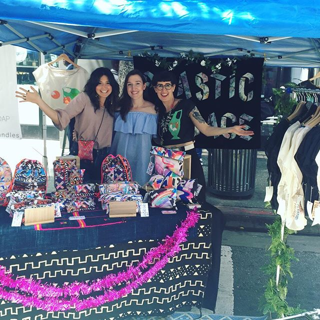 LA! 🌴 We're here with @plasticfoliage at Urban Air Market! Come thru!🌞👩‍👩‍👧