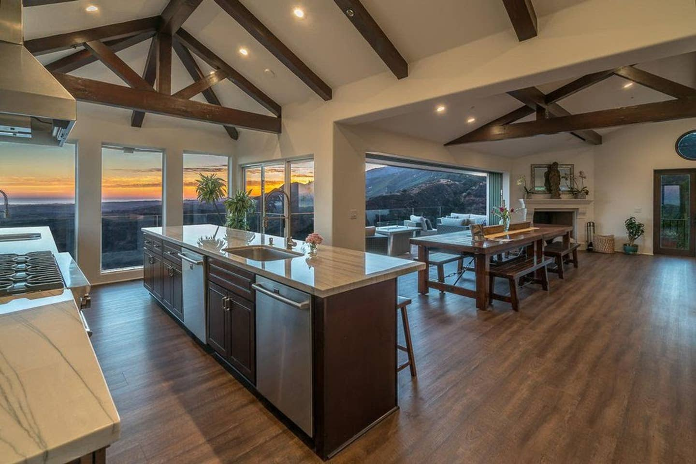 Sleeps 28 - Luxury villa high above Santa Barbara