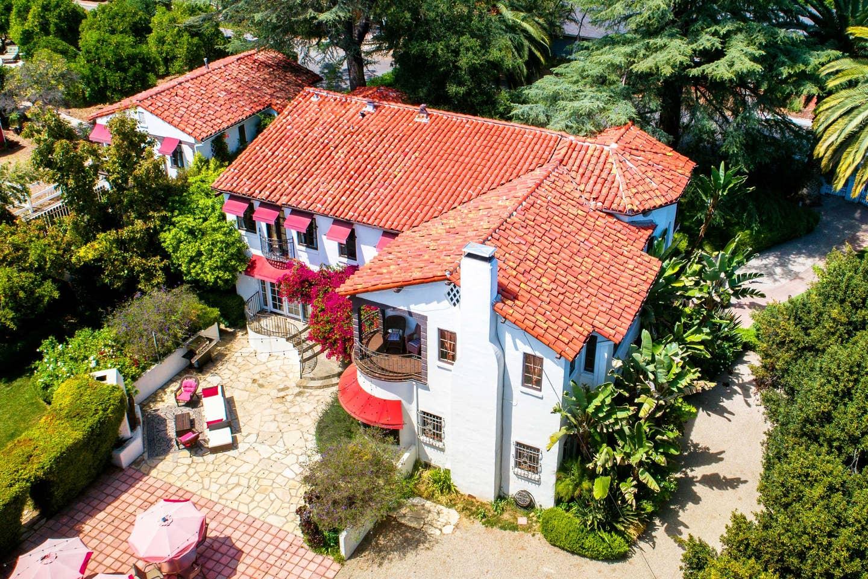 Sleeps 16 - Spanish mansion in Ojai