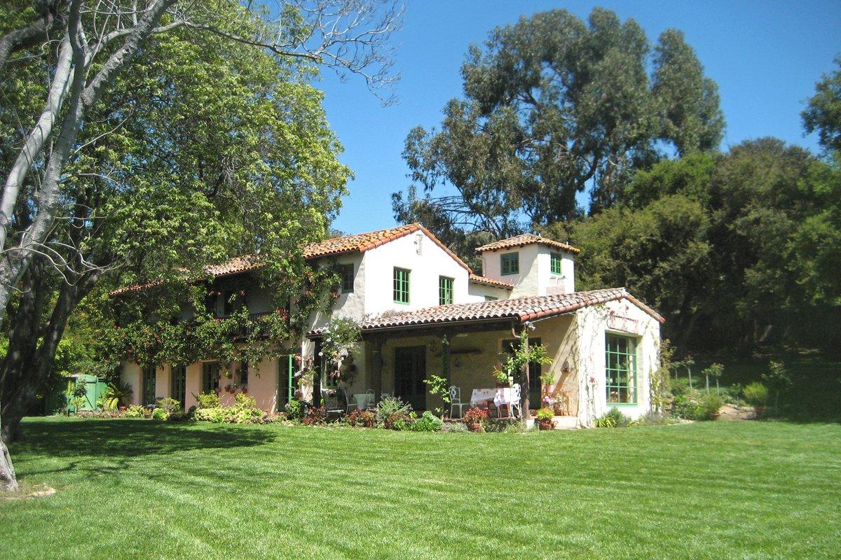 Sleeps 12 - Montecito 1920's Estate