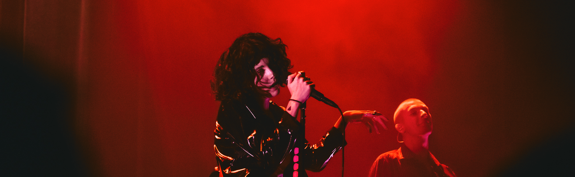PaleWaves_header-01.jpg