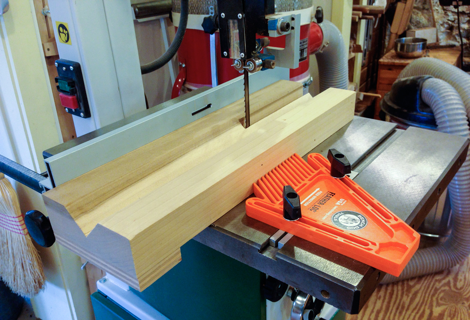 I use a v-block set-up on the band saw to shape the rungs to an octagon