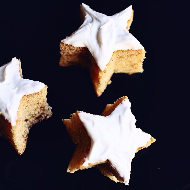 Star shaped mini cakes