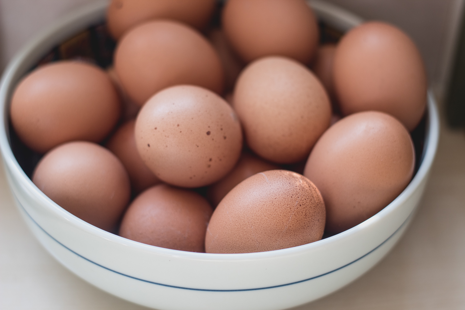 I love the contrasting texture of the eggs against the bowl. (I'm really putting all my eggs in one basket here.)