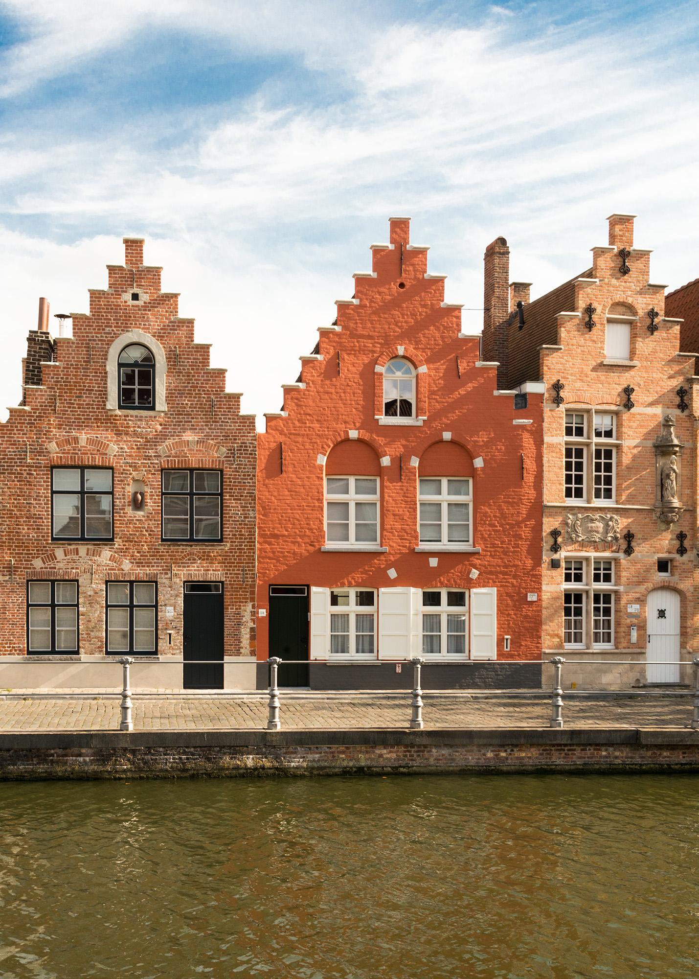 Brugges-6064v 2 wb.jpg