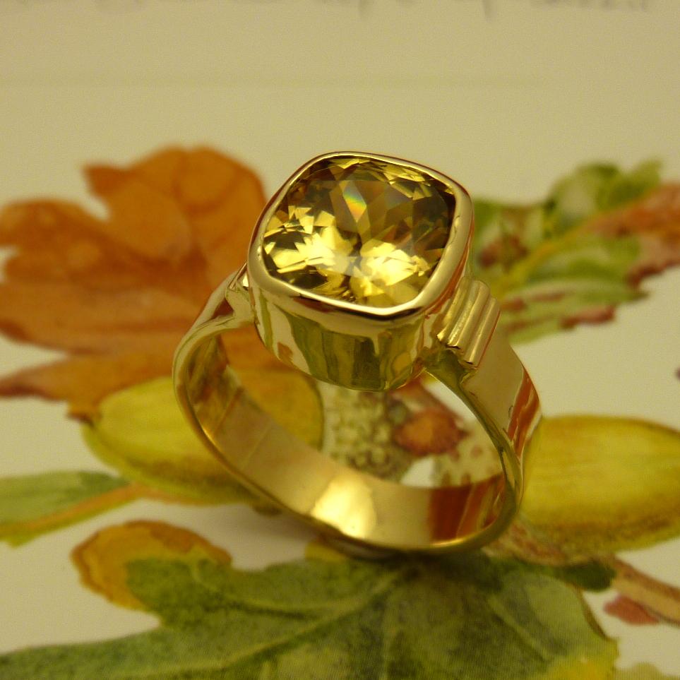 SUNNY - Yellow Zircon faceted 14k ring P1230460 (12).JPG